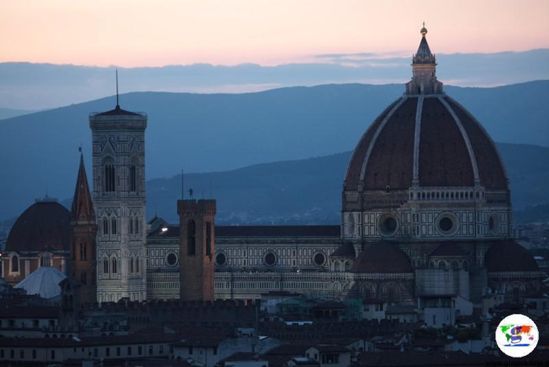 Duomo di Firenze al tramonto