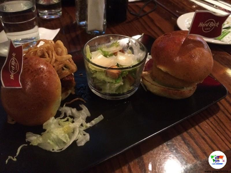 ORIGINAL LEGENDARY BURGER e,HONEY MUSTARD GRILLED CHICKEN SANDWICH e CHICKEN CAESAR SALAD Hard Rock Cafè Firenze