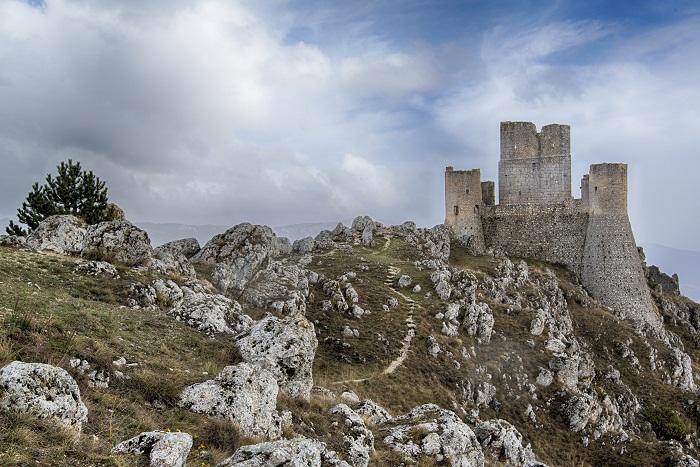 Rocca Calascio (ph Skyscanner)