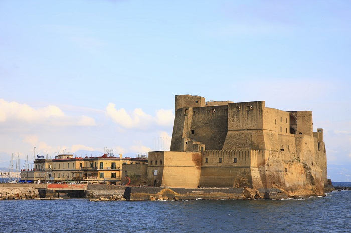 Castel dell'Ovo (ph Skyscanner)