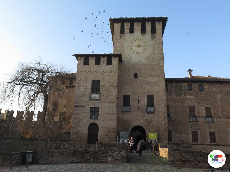 Rocca Sanvitale di Fontanelalto il portone di ingresso