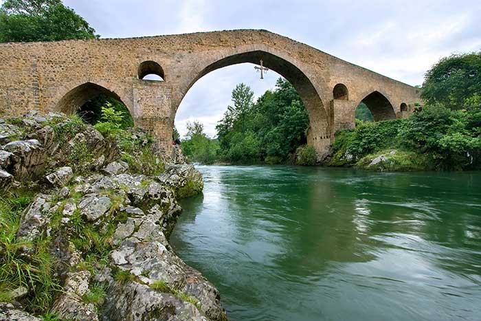 Ponte Romano, Cangas de Onís, Spagna (ph sky scanner)