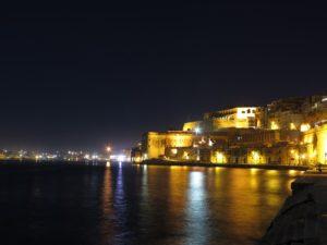 Malta , La Valletta di notte