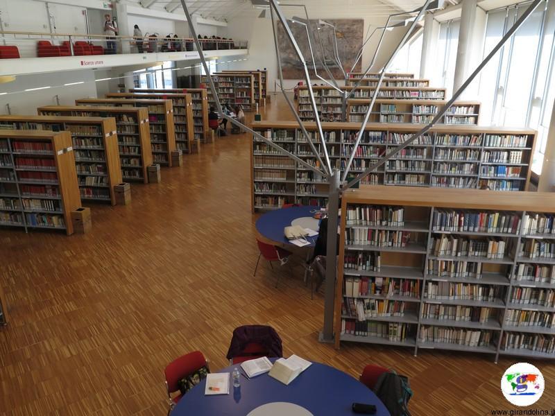 Biblioteca San Giorgio Pistoia, libri, libri e libri