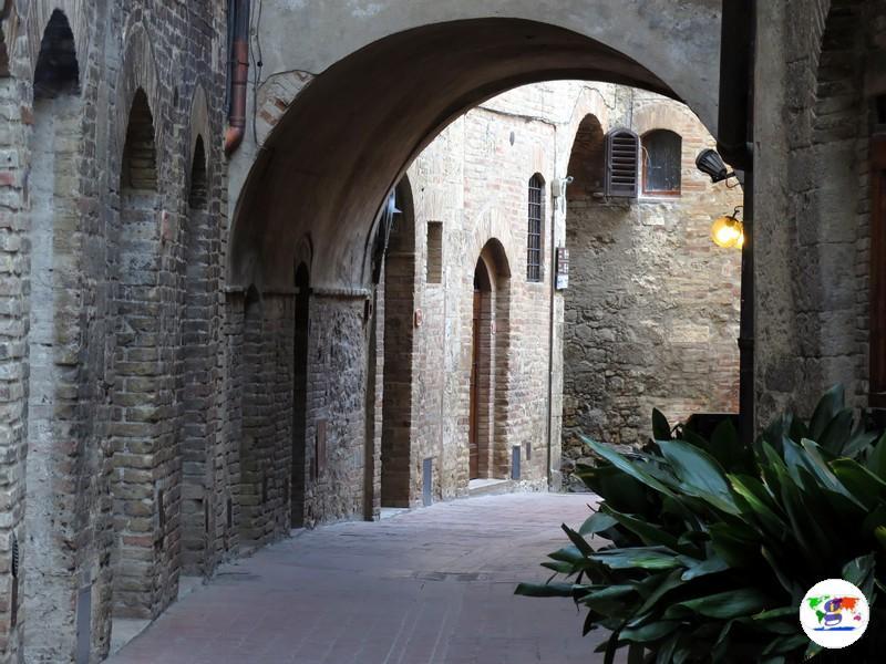 San Gimignano, e i suoi vicoli