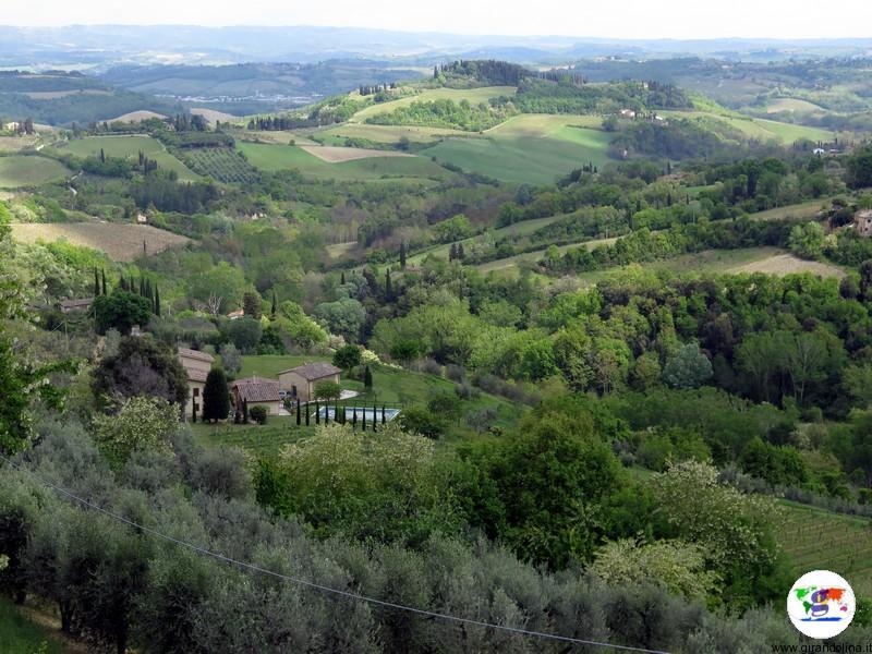 San Gimignano, e il panorama circostante