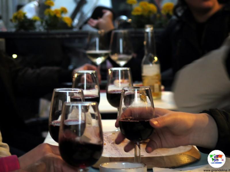 Firenze un buon bicchiere di vino rosso