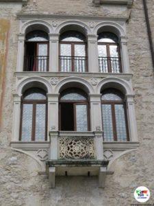 CastelBrando, finestroni