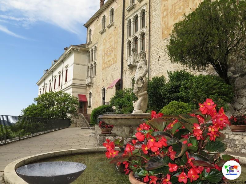 CastelBrando , i giardini e le fontane
