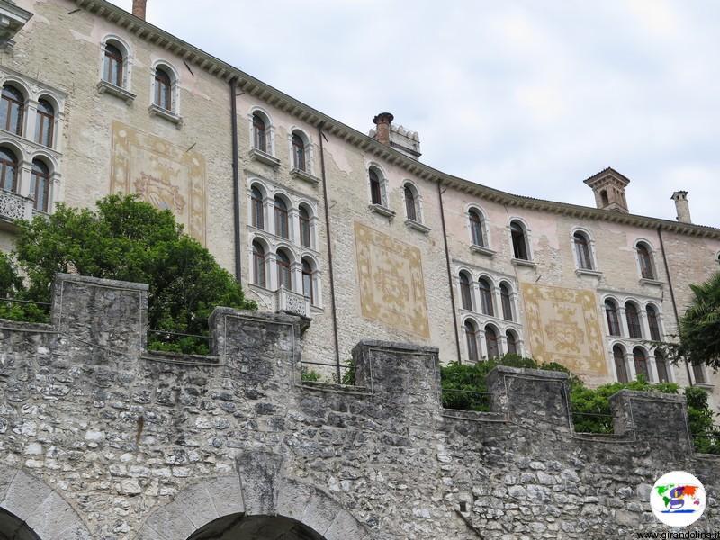 CastelBrando , le favolose mura
