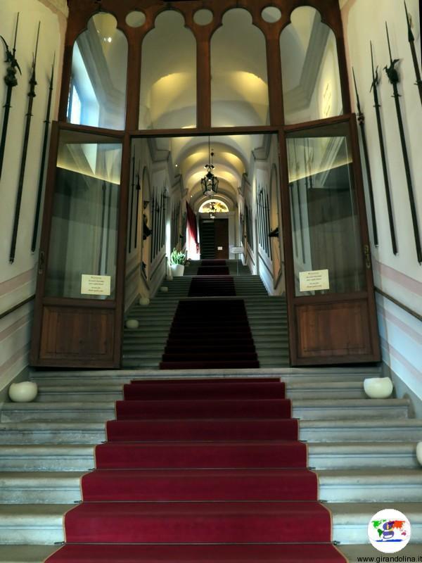 CastelBrando , lo scalone di ingresso