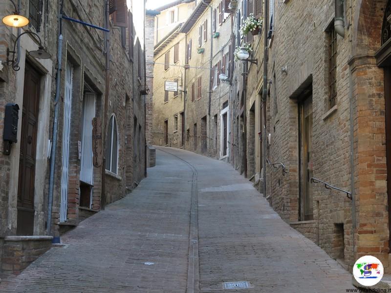 Urbino, le strade del centro storico