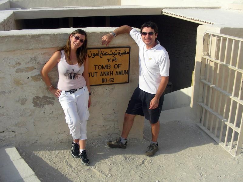 Io e Alessio e i nostri inseparabili occhiali da sole in Egitto