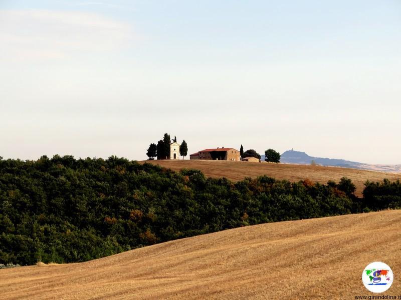 La Cappella di Vitaleta al tramonto