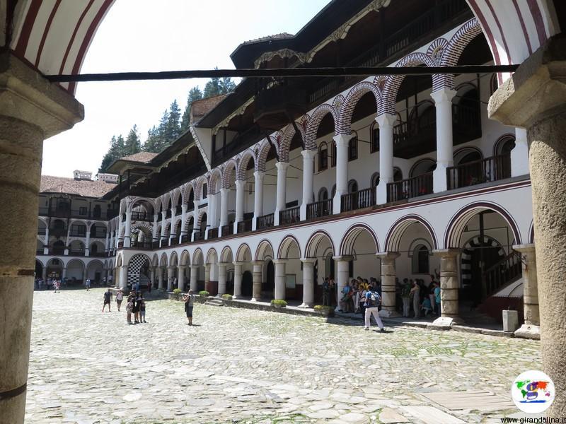 Monastero di Rila e il portone d'entrata