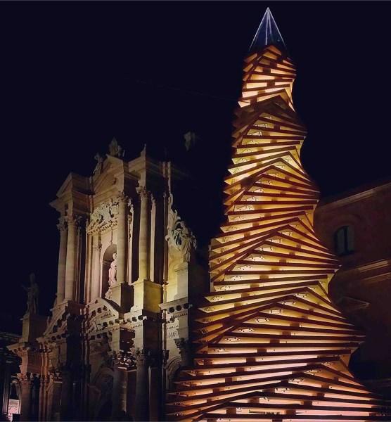 Alberi di natale italiani : l'albero di natale di Siracusa