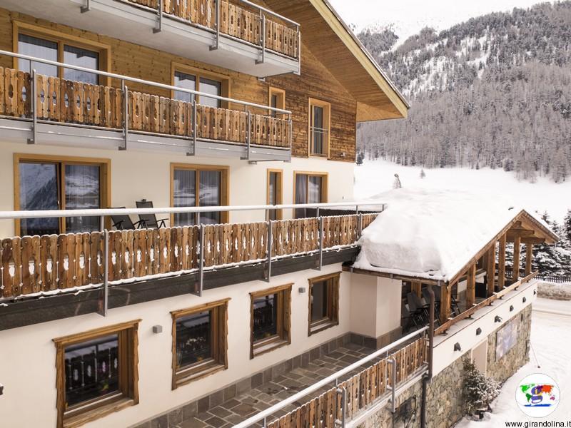 Dormire a Livigno- Sport Hotel Livigno il nostro terrazzo panoramico