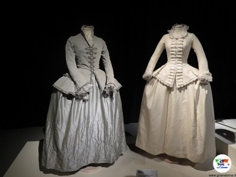 Maria Antonietta la mostra a Prato, gli abiti da principessa austriaca