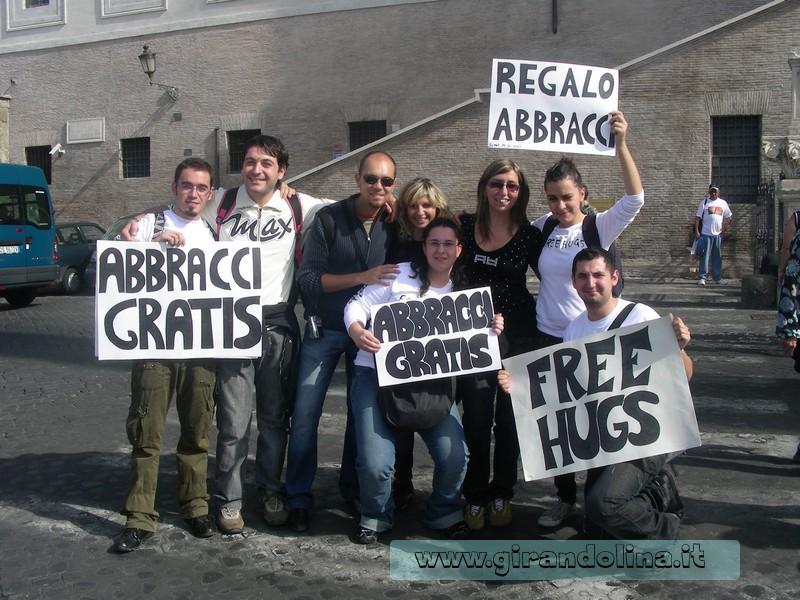 Il gruppo dei Free Hugs