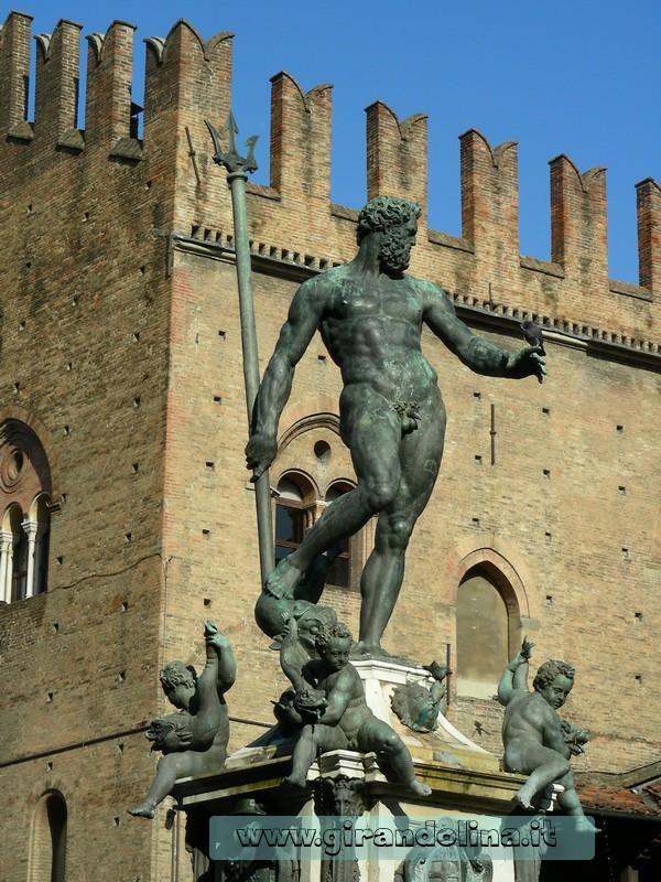 La Fontana del Nettuno, Piazza Maggiore