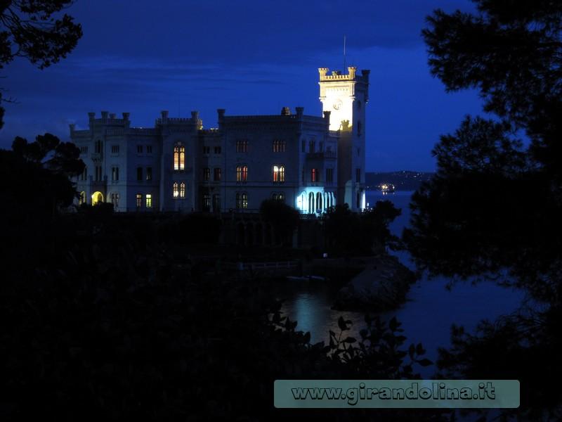 Tramonto dai giardini del Castello Miramare