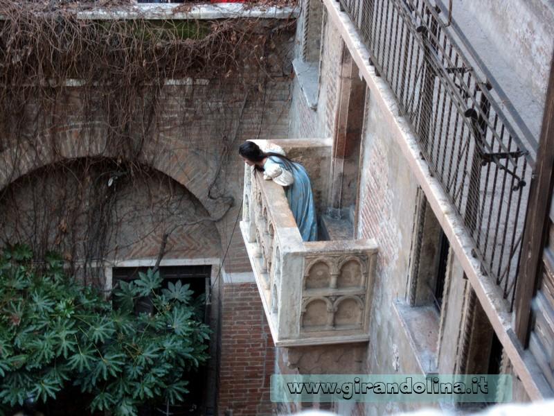 Rappresentazione teatrale presso la Casa di Giulietta- Verona in Love