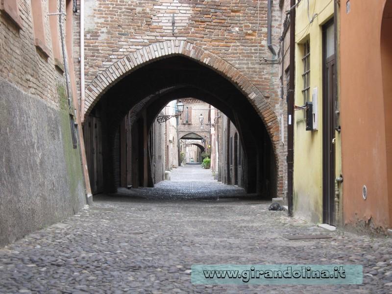 Via delle Volte di Ferrara