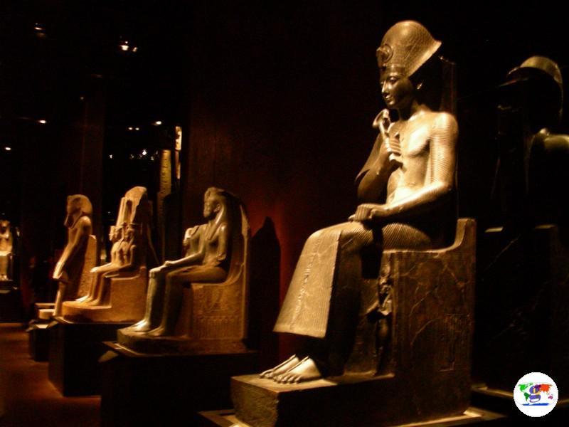 Il Museo Egizio di Torino, la statua di Ramses II dopo il restauro della sala dello Statuario del  2006