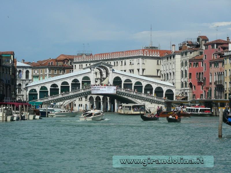 Venezia -Il Ponte Rialto e il Canal Grande