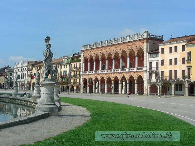 Padova - La Piazza Prato della Valle