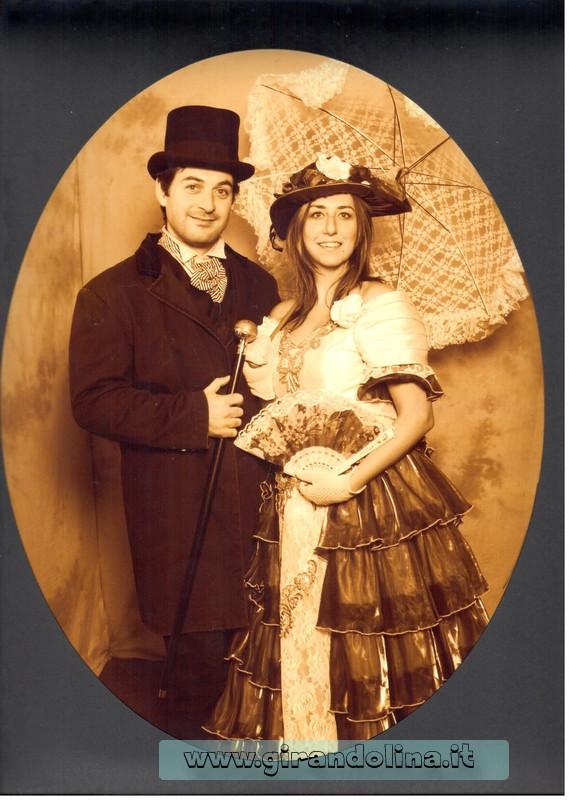 I due girandolini , coppia del 1900