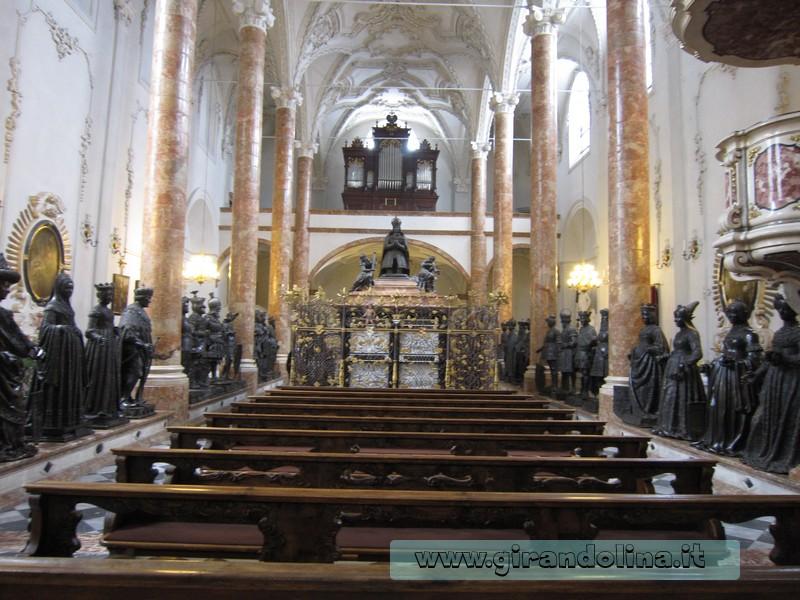 Interno della Hofkirche