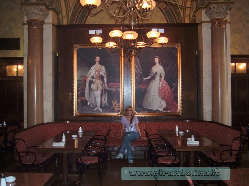 Sala interna del Cafè Central