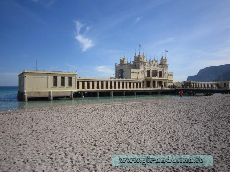 Lo stabilimento balneare Kursaal a Mondello