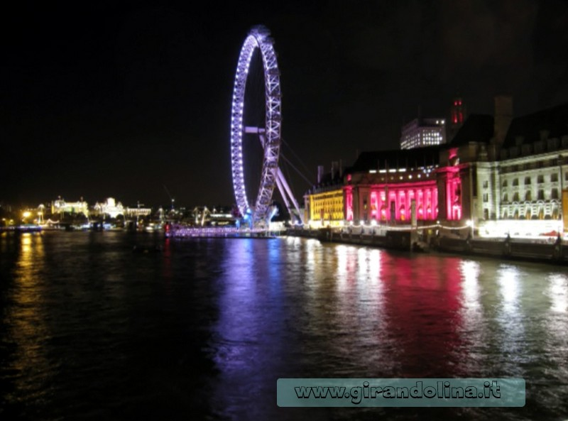 La London Eye in notturna