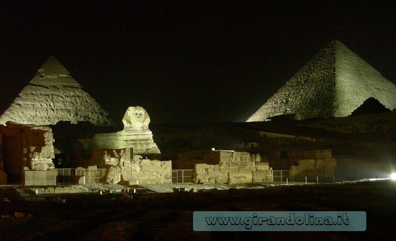 Giza Notturna Egitto