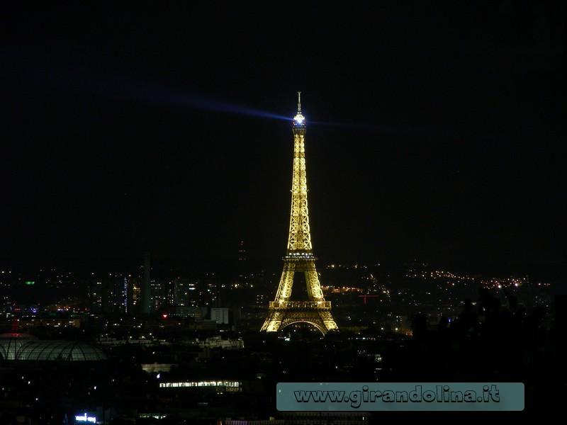 Tour Eiffel in notturna