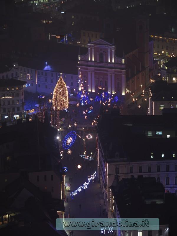 Lubiana, luminarie natalizie, viste dal Castello