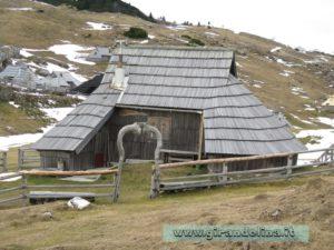 Una tipica capanna di Velika Planina