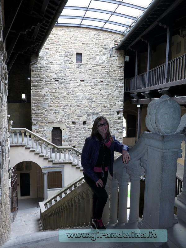 Castello di Poppi, la scalinata