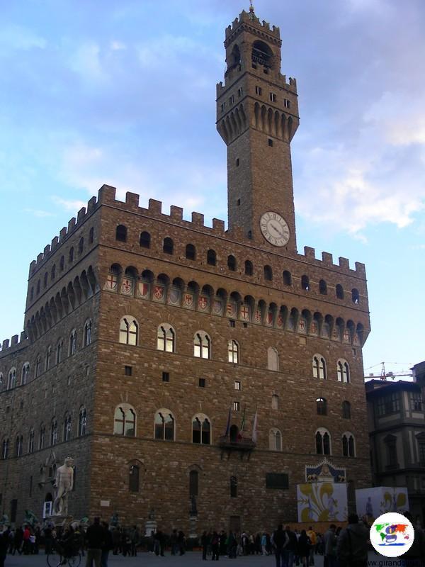 I Medici 2, Palazzo Vecchio, Piazza della Signoria