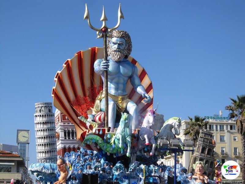 Carnevale viareggio 2021 rinviato, le foto di alcuni carnevali fa