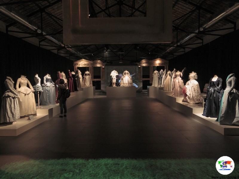 Maria Antonietta, a Prato la mostra dei costumi di scena dell'omonimo film