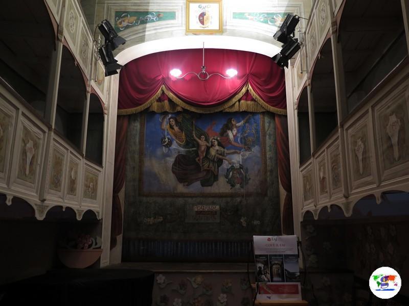 Teatrino di Vetriano, il teatro pubblico più piccolo al mondo