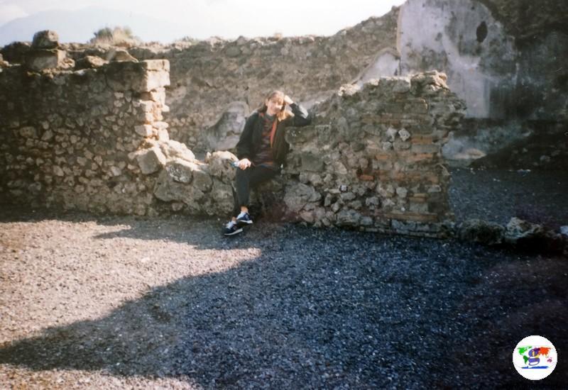 Girandolina a Pompei , foto di 20 anni fa, durante la gita scolastica