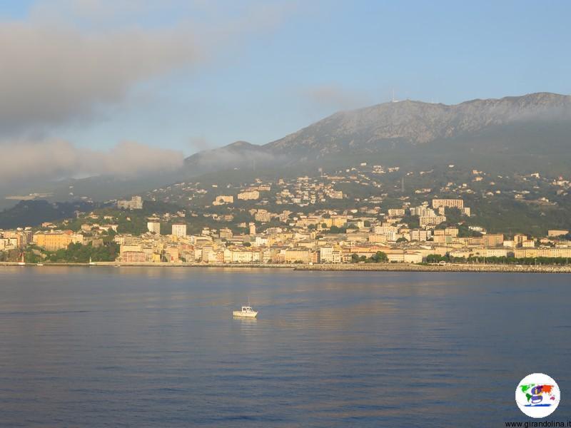 Bastia veduta completa all'alba