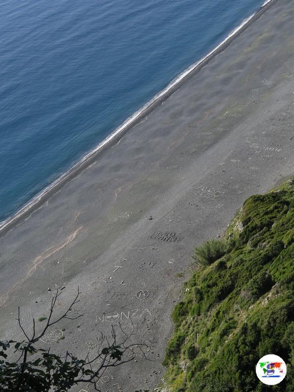 Cap Corse, la spiaggia nera di Nonza
