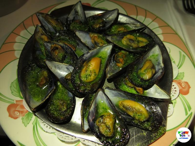 Cap Corse le cozze gratinate al brocciu del ristorante La Marinuccia di Saint Florent