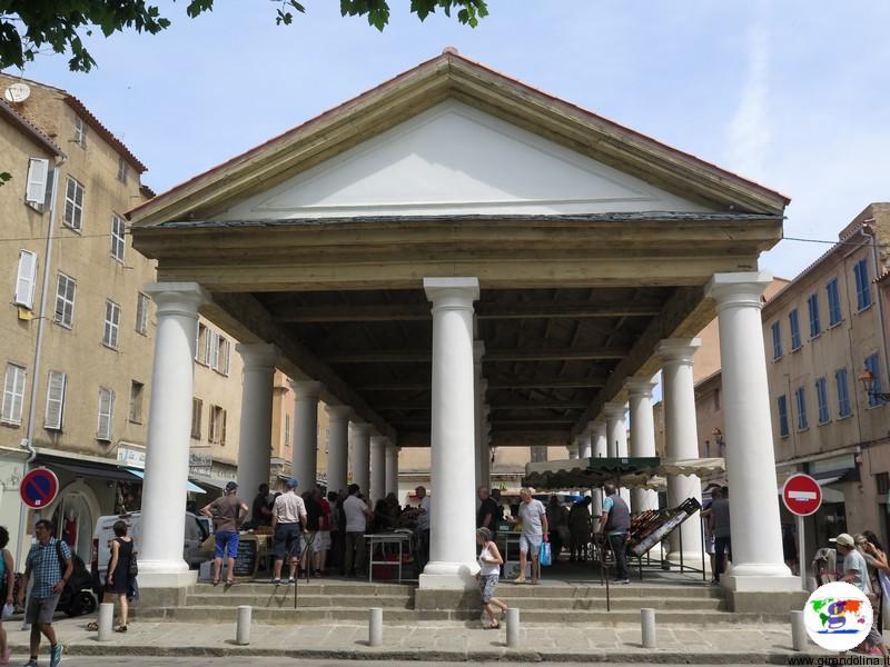 La Balagne- Ile Rousse e il mercato coperto