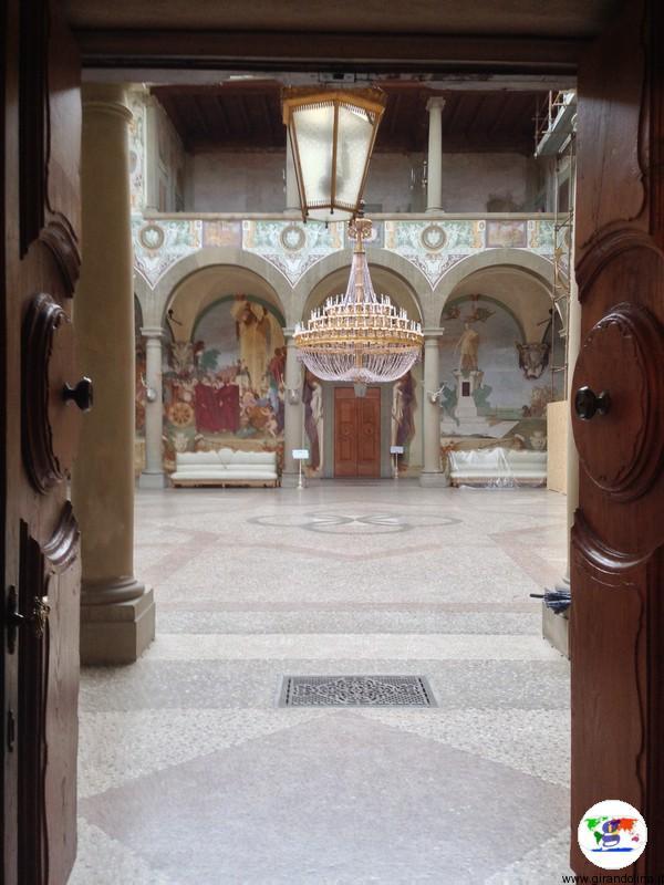 Villa La Petraia, ingresso